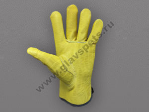 Перчатки кожаные Драйвержелтого цвета